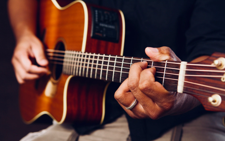 10 most easy steps to master chord progression in guitar.